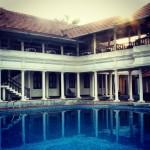 Restaurangen och poolen
